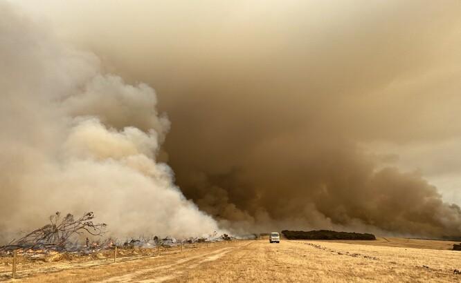 """Australské ohně v opačném gardu snížili """"příkon"""" o celý jeden watt. Není to mnoho, ale už to lze vyčíslit jako snížení teploty."""