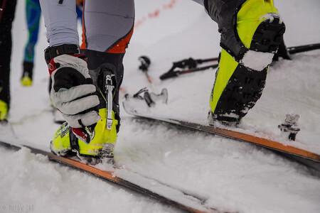 Ochranáři apelují na pěší, skialpinisty, běžkaře, snowboardisty a další návštěvníky, aby respektovali celoroční zákaz vstupu mimo značené trasy v národních přírodních rezervacích, jako je široká oblast Pradědu, Šerák - Keprník, Králický Sněžník, Rejvíz a Skřítek. Při dodržení tohoto pravidla se turisté vyhnou i nebezpečným lavinovým katastrům.