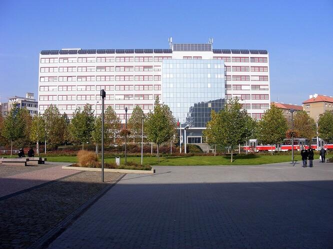 Loni MŽP vyjednalo na letošní rok rozpočet 6,24 miliardy Kč bez evropských dotací, s nimi resort disponoval téměř 16 miliardami korun.