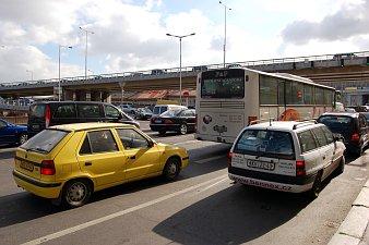 Auta na pražské magistrále