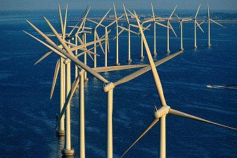 Větrné elektrány na pobřeží Dánska