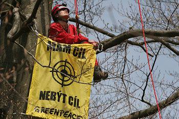 Akce Greenpeace na kótě 718 v Brdech.