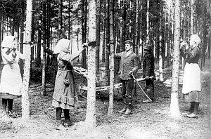 Lepování proti mnišce, 20. léta 20 století